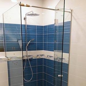 Stiklinė dušo kabina