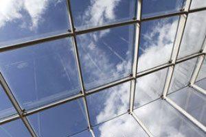 aliuminio konstrukcijos stogas ir siena
