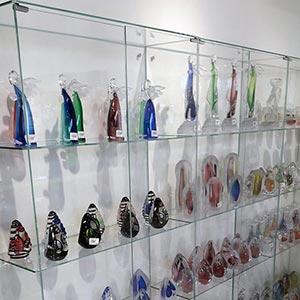Stiklinės lentynos